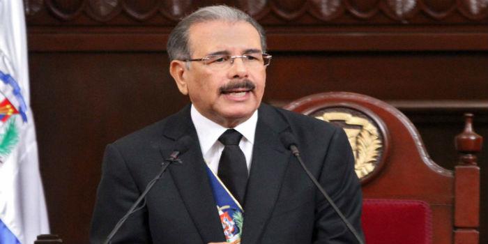 Dos diputados dominicanos piden juicio político a Medina por