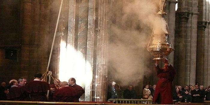 Resultado de imagen de Botafumeiro de la Catedral