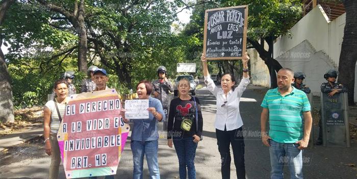 protesta por oscar perez en la morgue de bello monte