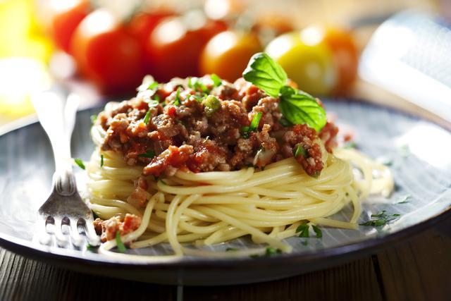 Espaguetis-a-la-bolonesa-1