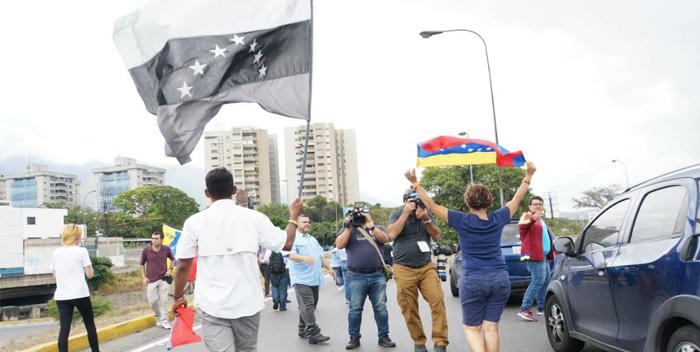 protesta soy venezuela bandera en altamira (2)