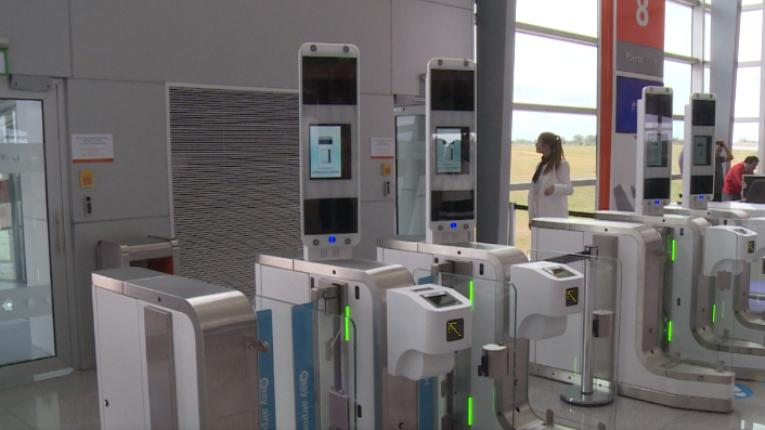 Aeropuerto Carrasco Uruguay - reconocimiento facial 3