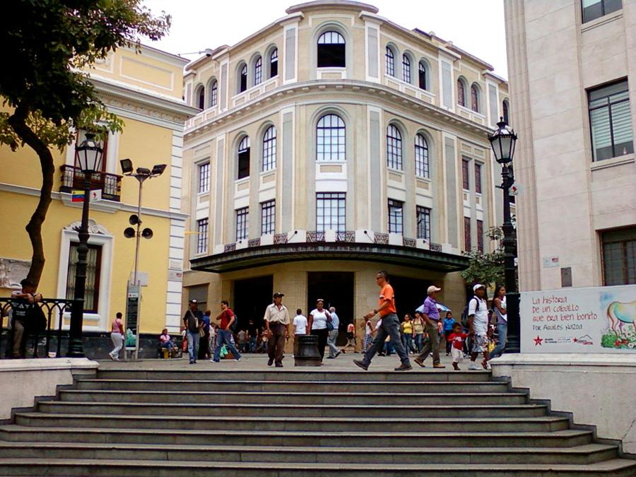 Retrospectiva - Esquina Principal - Plaza Bolívar