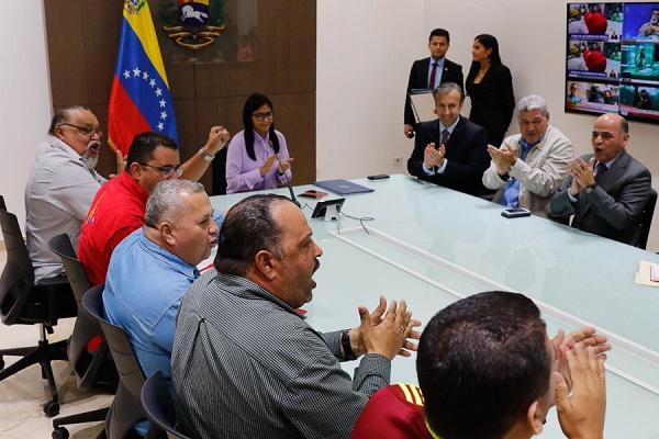 Wills Rangel firma acuerdo con Delcy, Tareck y presidente PDVSA