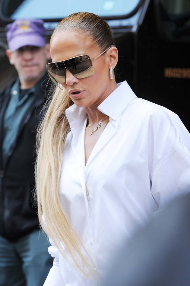 NEW YORK, NY - JULY 31: Jennifer Lopez seen on the streets of Manhattan on July 31, 2018 in New York, NY. (Photo by Josiah Kamau/BuzzFoto via Getty Images)