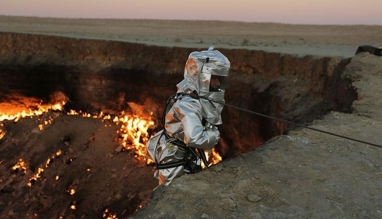 """""""La puerta del infierno"""", el extraño cráter que nunca deja de arder"""
