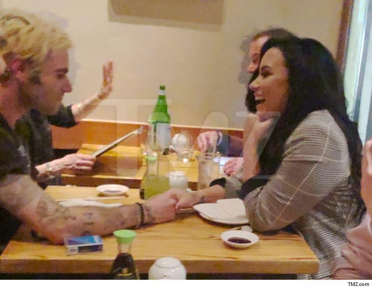 Demi Lovato reaparece en público - Fuente TMZ