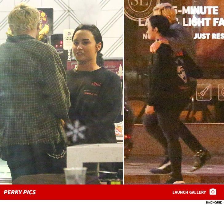 Demi Lovato reaparece en público - TMZ