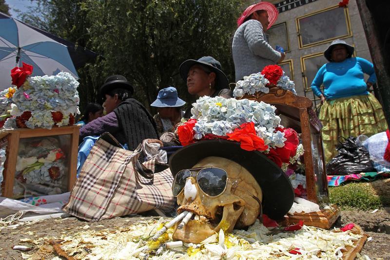 La casa de los pobres - Templo de culto a 73 calaveras humanas en la Paz, Bolivia 2
