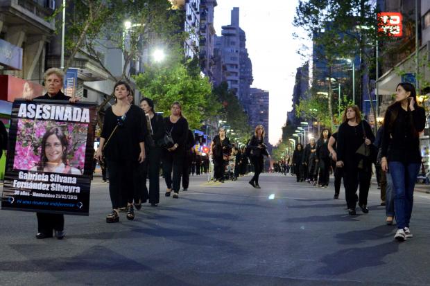 Marcha mujeres en Montevideo, Uruguay