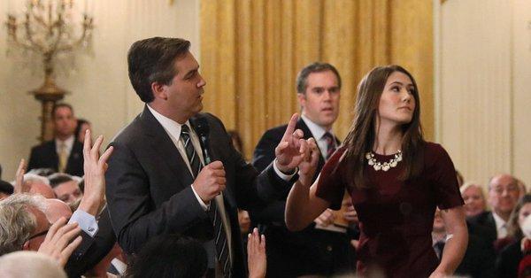 Periodista Jimmy Acosta en la Casa Blanca video