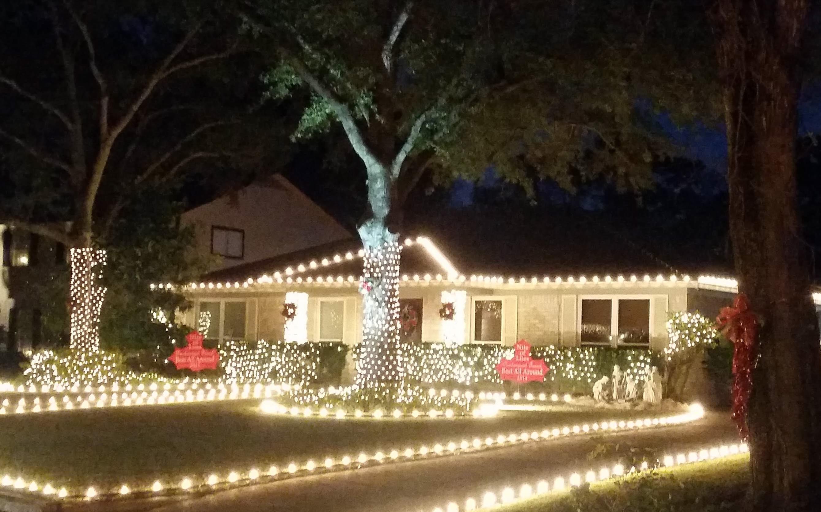 Fotos Casas Decoradas Navidad.Fotos A Prueba La Creatividad Vecinos Compiten Por La