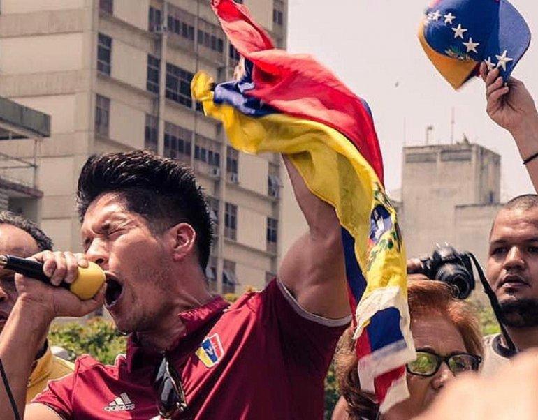Chyno en protesta Venezuela
