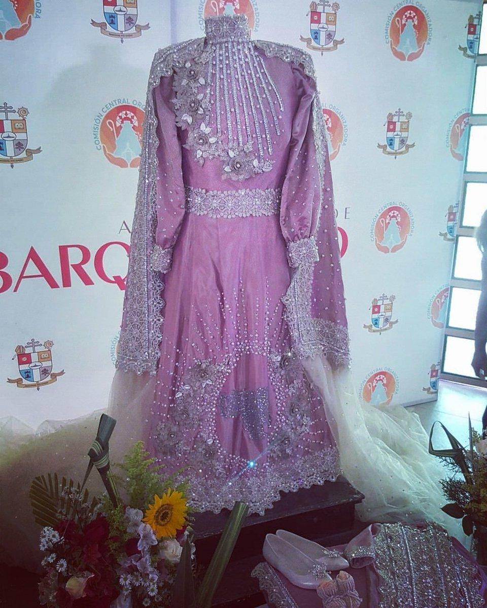 traje de la Divina Pastora 2018