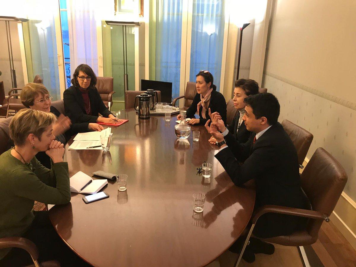 Lorent Saleh y Antonieta Lopez con Michelle Bachelet de la ONU